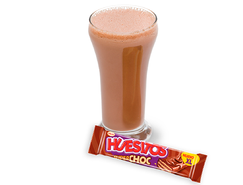 Smooth cocoa milk + Huesitos Superchoc